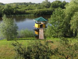Выбор места для рыбалки на природе